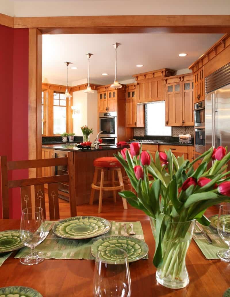 Corner Craftsman Dining Room