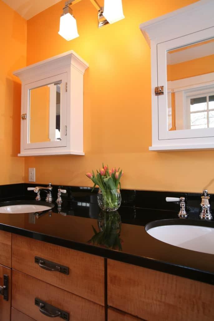 Corner Craftsman Guest Bath